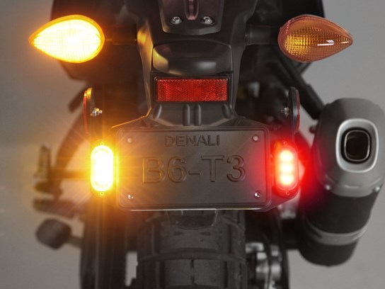 Denali T3 LED pair of pods rear (number plate mount) - red/amber
